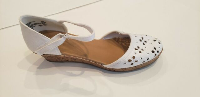 PAYLESS WOMEN'S WHITE Shoes mary jane