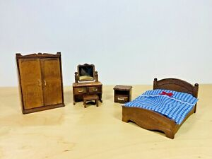 Sylvanian Families Vintage Dark Brown Master Bedroom Wardrobe Furniture Set