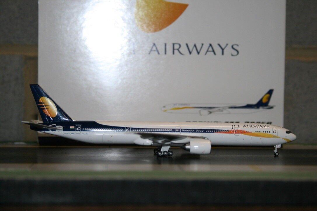 Gemini Jets 1 400 Jet Airways Boeing 777-300ER VT-JEA (GJJAI807) Die-Cast Model