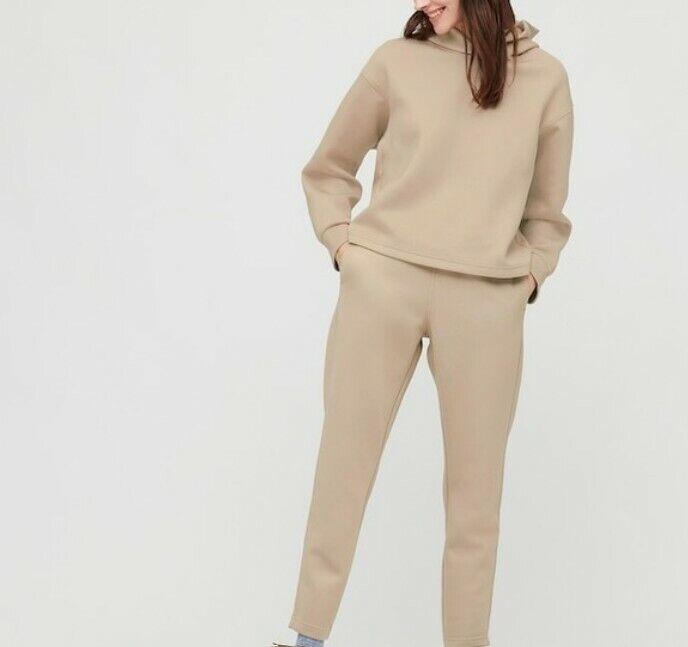 Brand New Women's Off-White Uniqlo Ultra Stretch Dry Top & Bottoms Size Medium