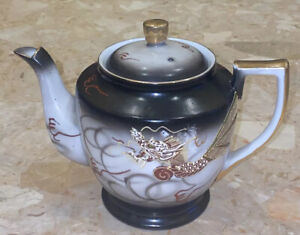 Vintage-Dragonware-Embossed-Dragon-Handpainted-Teapot-Gold-Accents-5-Cups