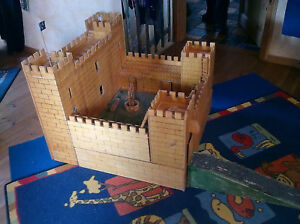 Spielzeug Ritterburg aus Holz, Einzelanfertigung