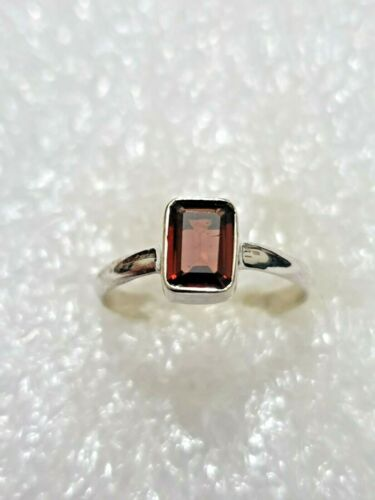 Natural Garnet Gemstone Ring Solid Sterling Silver marked 925 Ring Size N~N1//2