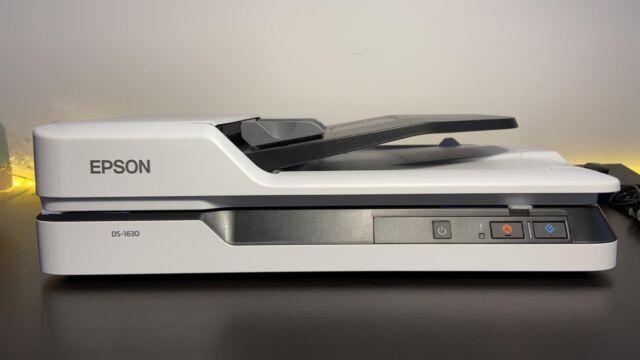 Epson WorkForce DS-1630 Scanner piano 1200 x 1200DPI A4 Nero, Bianco B11B239401