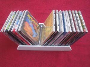 Ein-CD-Flip-Halter-fuer-15-CD-s-schwarz-rot-blau-grau-weiss-rosa-3-Groessen