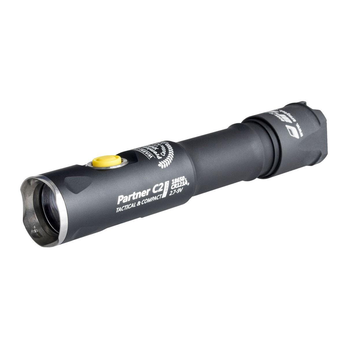 Armytek Partner c2 Pro xhp35 (Bianco) - 2100 Lumen LED Torcia
