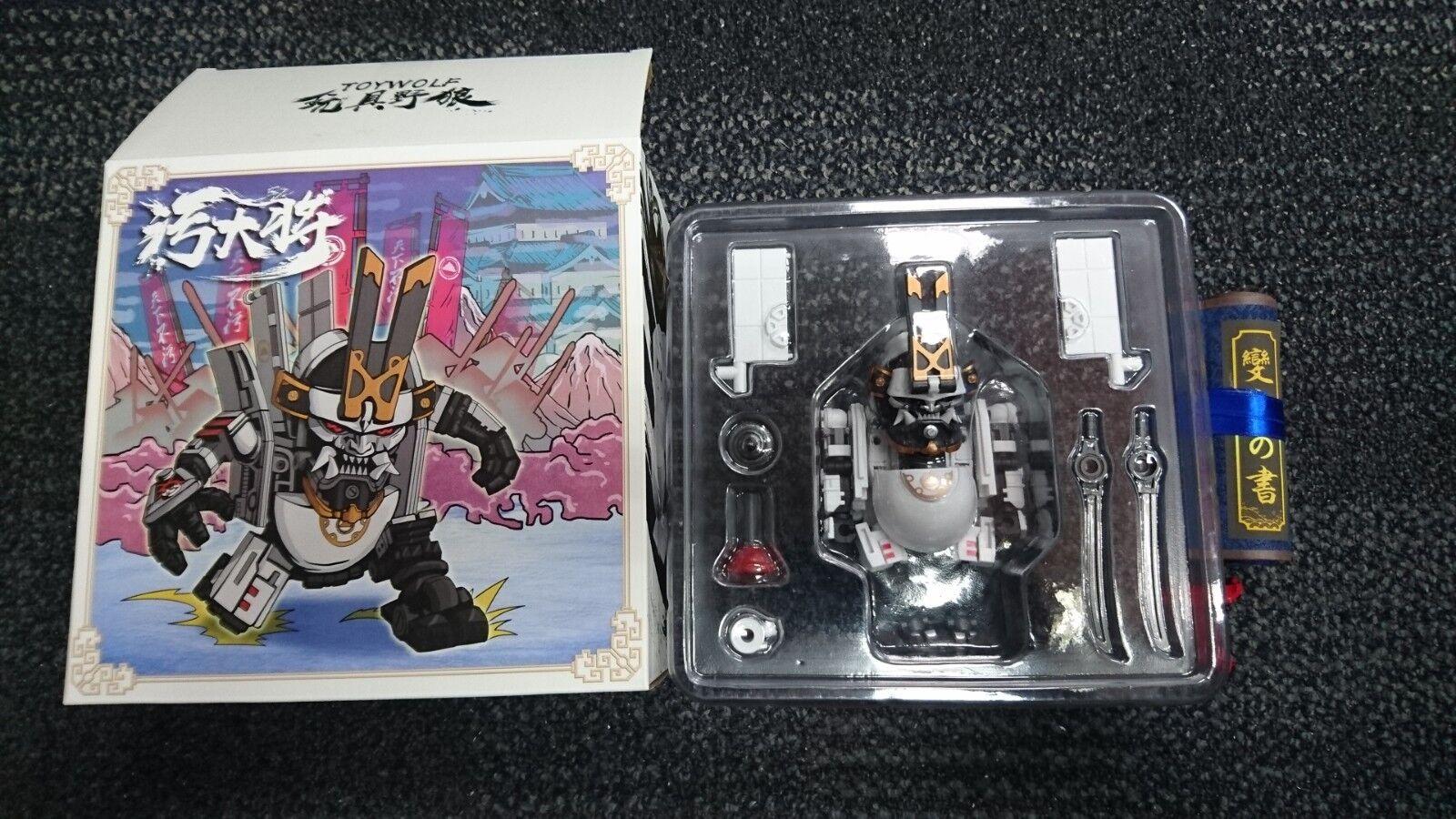TOYWOLF W-01 sucio hombre Samurai Oda sin embargo transformando Mech Robot