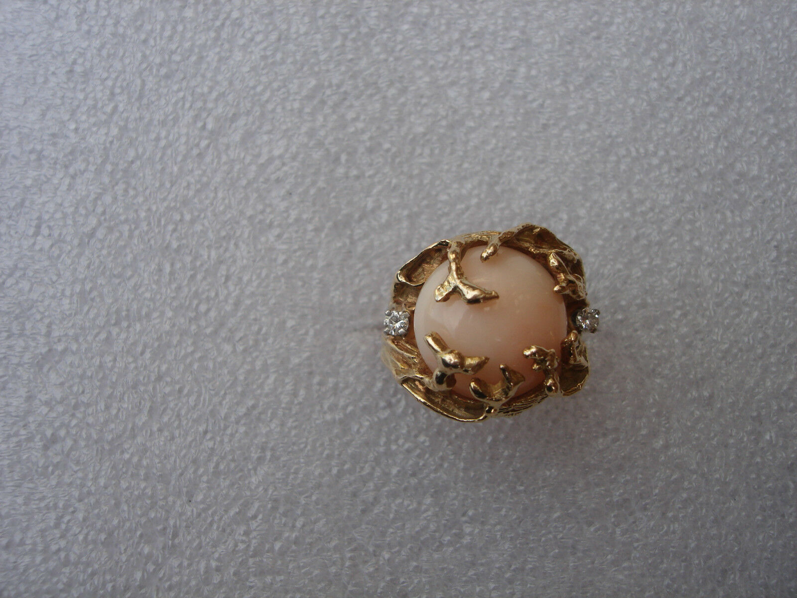 VINTAGE UNIQUE  ANGEL SKIN DIAMONDS CORAL RING 14 KARAT YELLOW SOLID gold SIZE 7