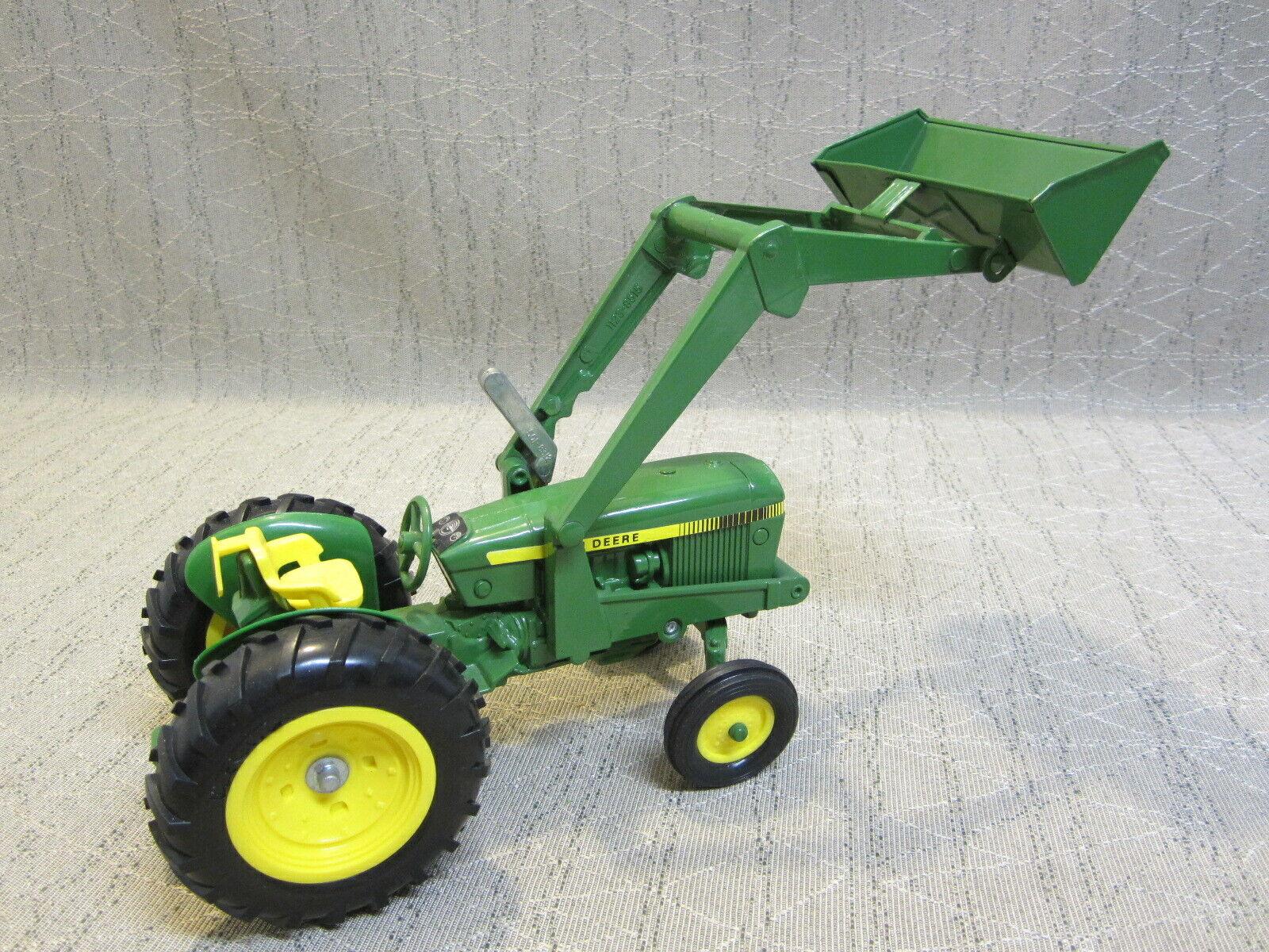 John Deere Tractor De Metal 12  de largo