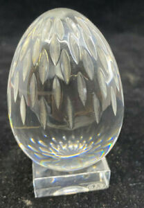 Baccarat-Crystal-Etched-Egg-with-Glass-Stand-Feathers-Flower-Signed-France