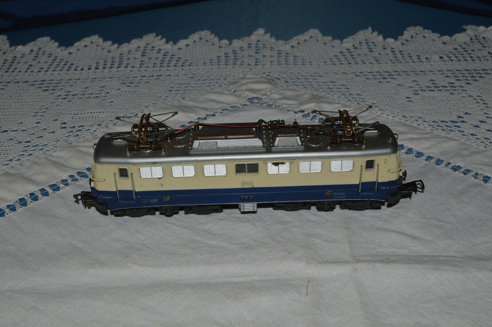 FLEISHMANN LOCOMOTIVE DB- E10 250