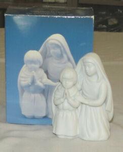 Avon Nativity White Bisque Children in Prayer 1991 with Box