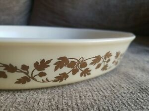 Vintage Pyrex #22 Gold Acorn 1.5 Quart Oval Casserole Baking Dish with handles