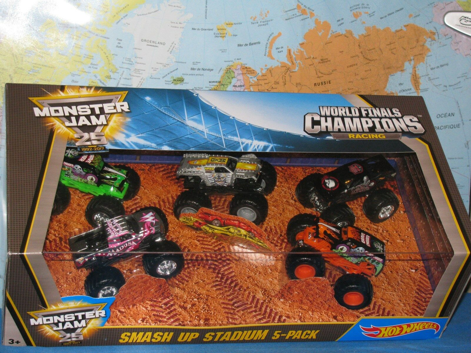 Hot Wheels Confiture de Monstre 25 Smash Up Stade Madusa Max-D Metal Mulisha