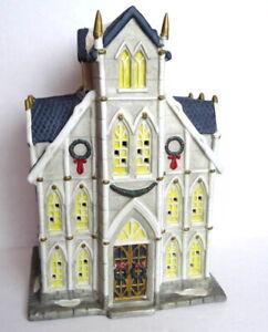Christmas-Church-Cathedral-Victorian-Village-Grandeur-Noel-1995-Porcelain
