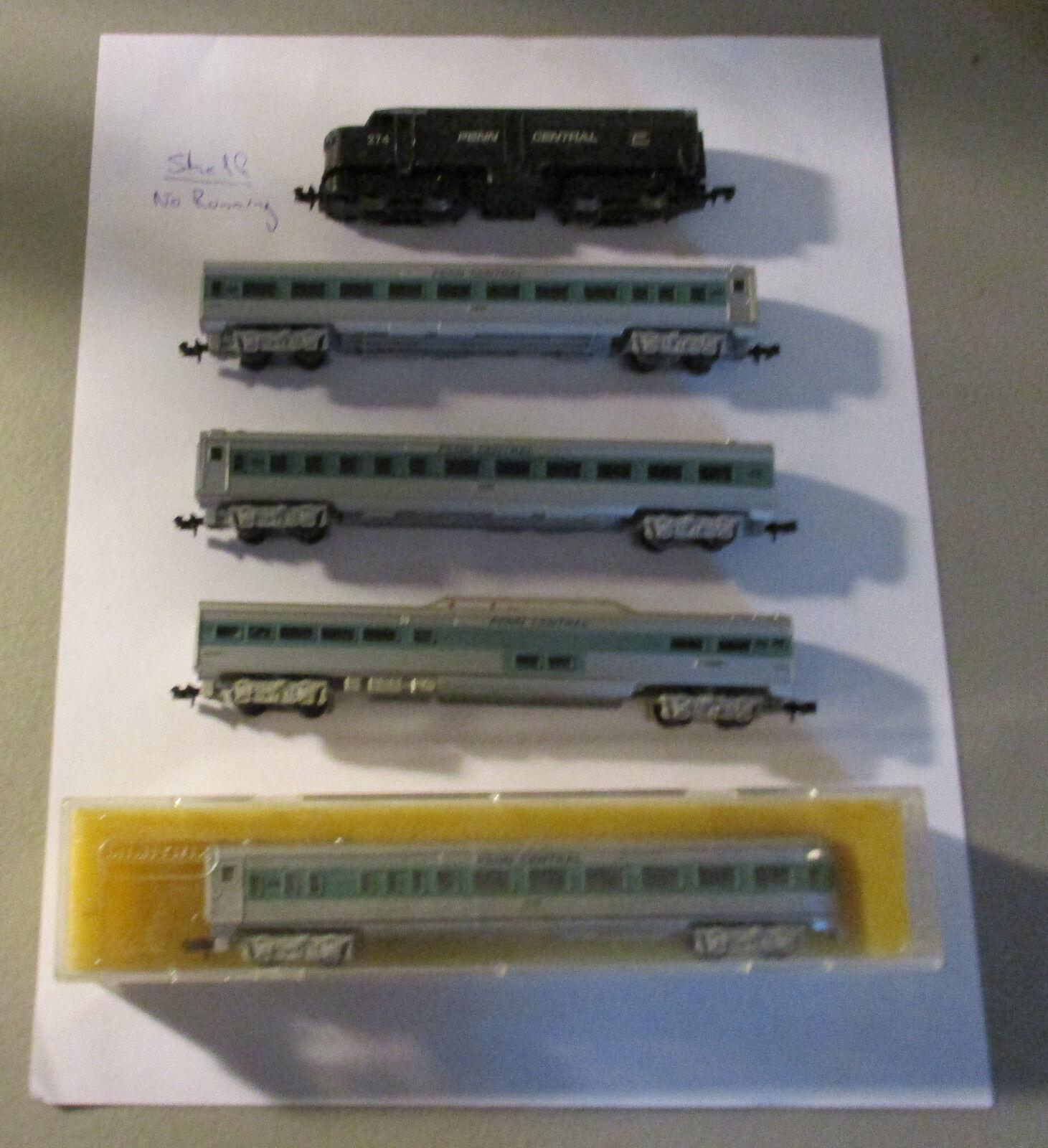 N Scale Penn Central Engine- Shelf Model-Major-Clean-up 4-Passenger Car.Very Goo