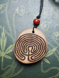 English-Holly-Wood-Labyrinth-Pendant-Meditation-Pagan-Witchcraft