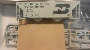 Walthers-HO-Burlington-Northern-Covered-Hopper-Kit-NIB