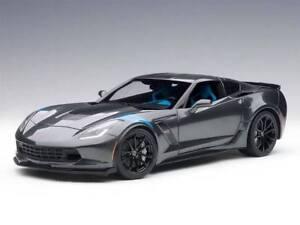 AutoART-1-18-Chevrolet-Corvette-C7-Grand-Sport-2017-Grey-Met-71272-NUOVA
