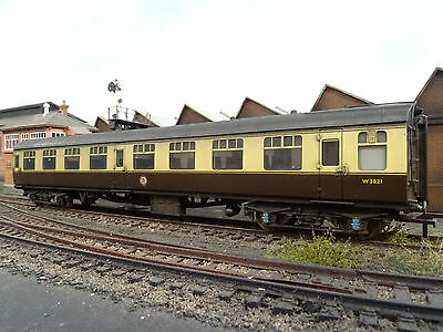 Bachmann Br Mk1 Choccy & Cream Coach W3821 (lineside Weathered) 39-054b