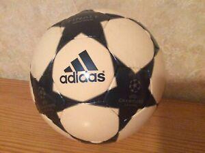 Ballon-ADIDAS-UEFA-Champions-Ligue-2003-2004