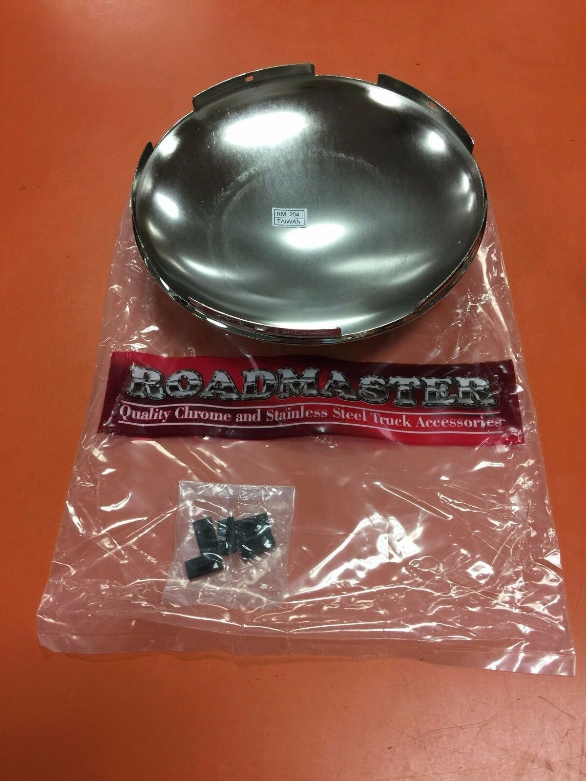 1 ROADMASTER CHROME FRONT HUB CAP 5 NOTCH 204C