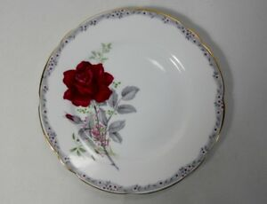 Royal-Stafford-Roses-to-Remember-Scalloped-Bread-amp-Butter-Plate