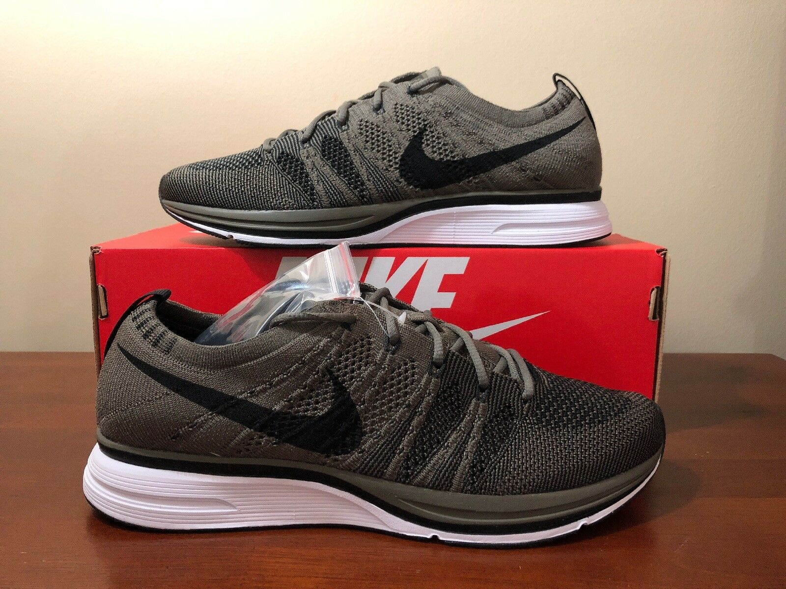 Nike Flyknit Trainer Running shoes Olive Black AH8396 200 Size 8 Women's 9.5
