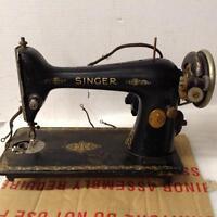Singer Sewing Machine. Model 66. Serial# AB325330. (SM 264)