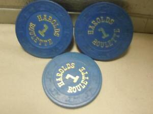Vintage-Lot-of-3-Clay-Roulette-Casino-Playing-Chips-Blue-1-Dollar-Harolds-VGC