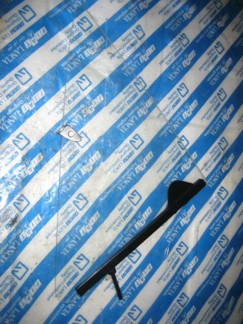 Nuove Fiat Oldtimer Deflettore Finestrino Triangolare Disco 4390095 124 125 130