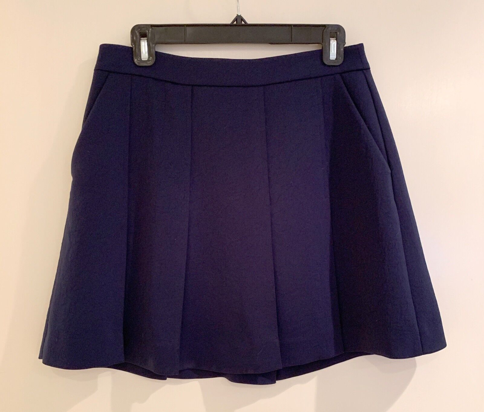 Vince navy bluee pleated skirt - size 6
