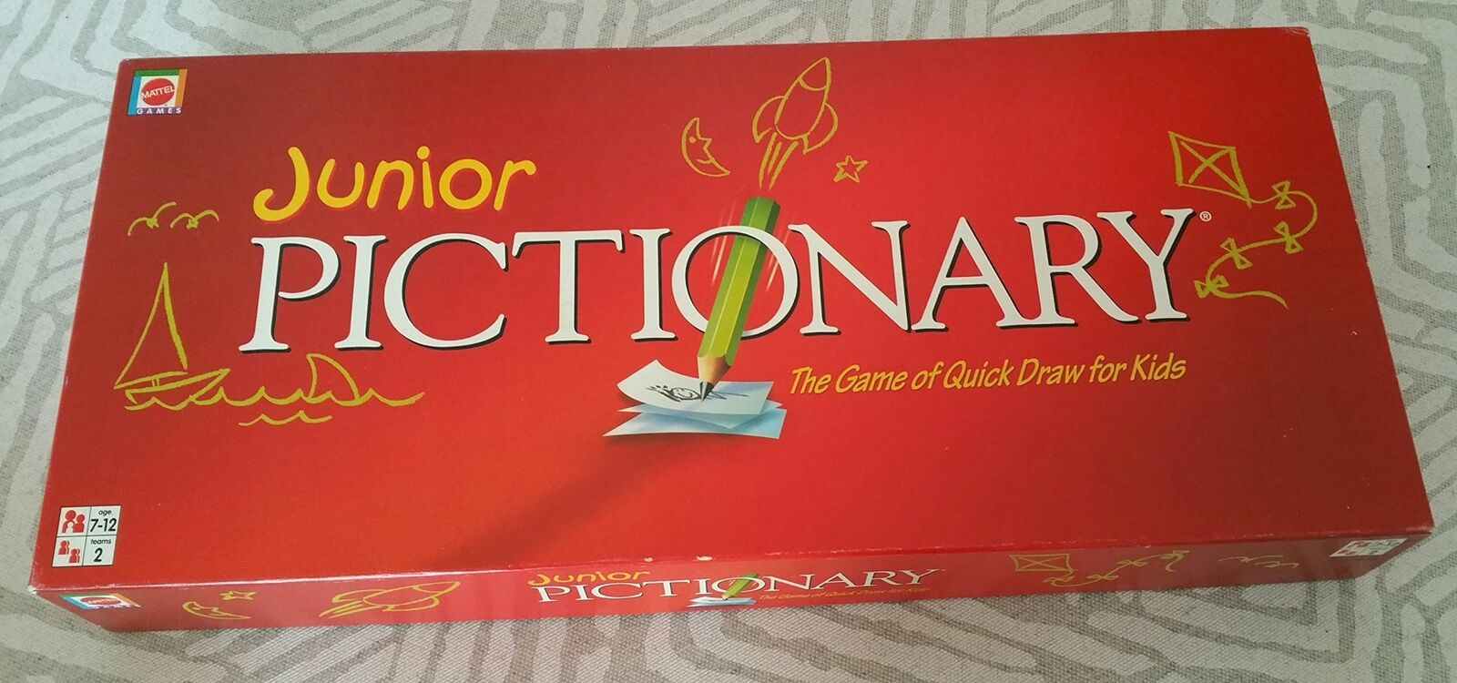 Pictionary Board Game New & Sealed Junior Version
