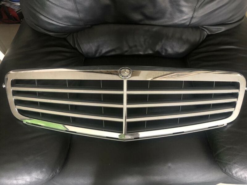 Mercedes Benz  front grill and badges