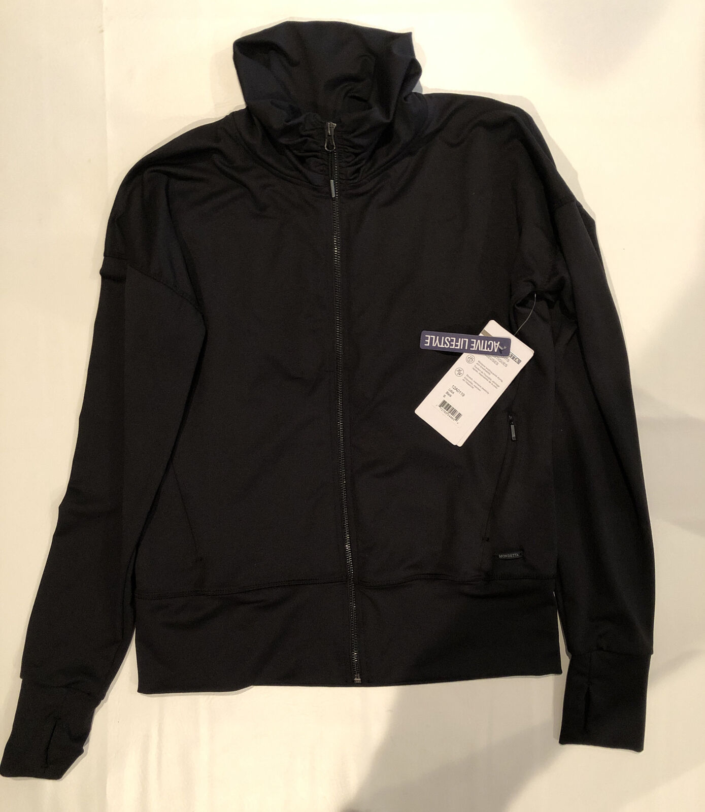 MONDETTA Small Active Jacket Zipper Black NWT pleated in the back DROP SLEEVES