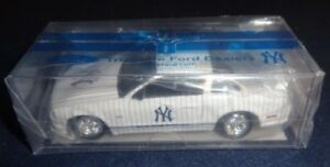 NY YANKEES ~FORD MUSTANG~ LIMITED ED DIE-CAST 1:64 JOHNNY LIGHTNING CAR SGA 2009
