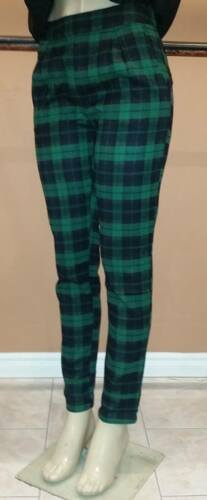 Hanger Green plaid pants with pockets Medium