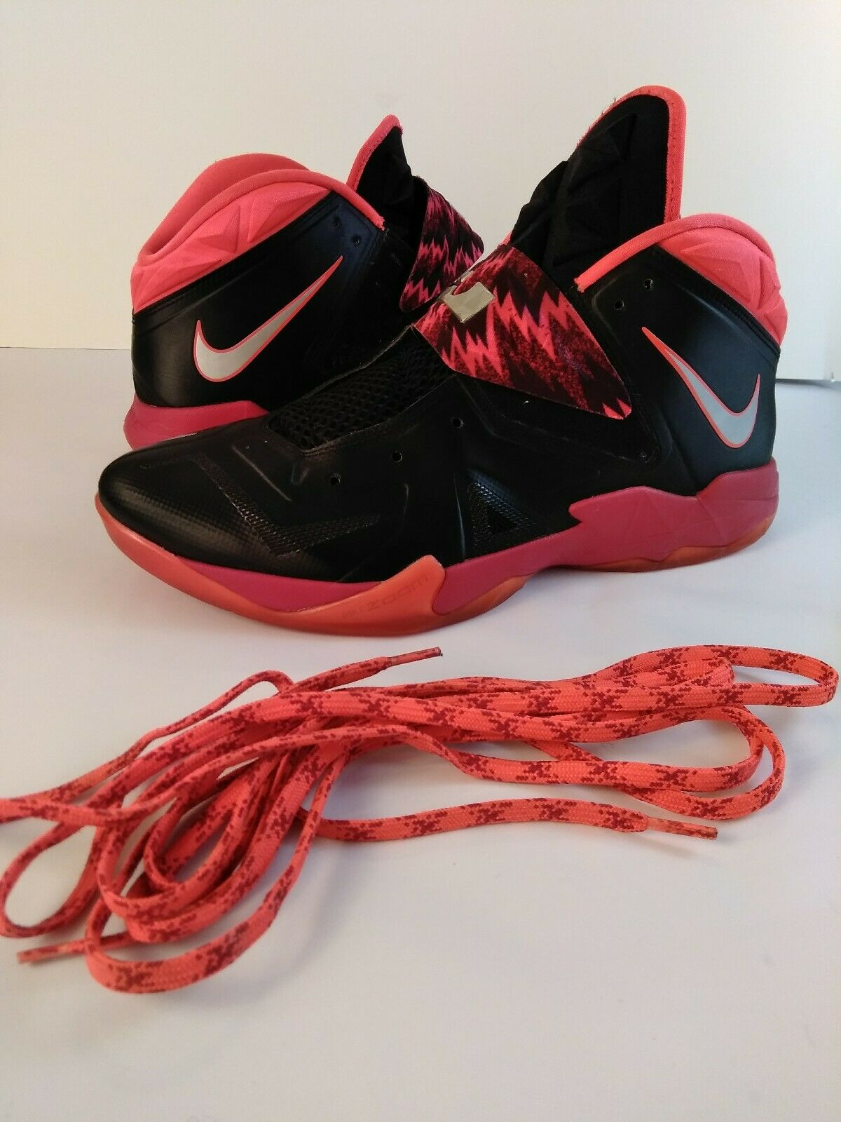 Nike 12 Size LeBron owned Condition Great Pre Strap King Red