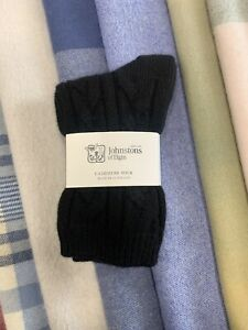 Cable-Knit-Cashmere-Socks-Johnstons-of-Elgin-Made-in-Scotland-Black-Warm