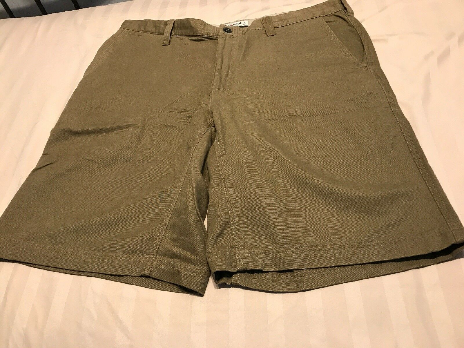 Columbia Men's Beige Flat Front Hiking Outdoor Casual Shorts Size 38 SC8