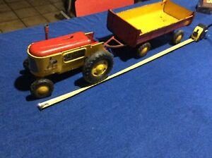 Ancien Jouet En Tôle Joustra Tracteur Et Sa Remorque L 58cm