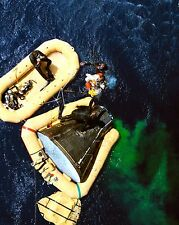 GEMINI 11 ASTRONAUT DICK GORDON BOARDS A RECOVERY HELICOPTER 8X10 PHOTO (BB-828)