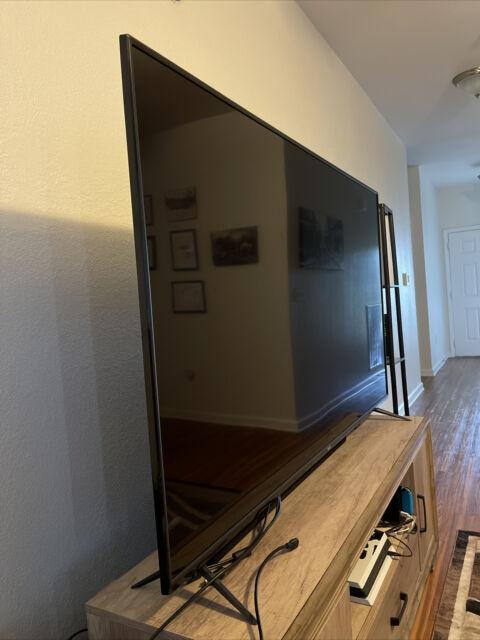 VIZIO V705G3 70 inch 2160p(4K) LED Smart TV