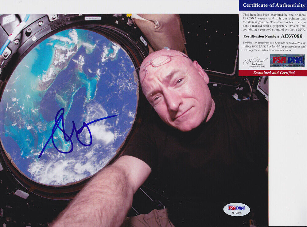 s l1600 - Scott Kelly NASA Astronaut Discovery Signed Autograph 8x10 Photo PSA/DNA COA #2