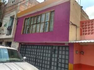 Amplia Casa en Venta en La Colonia Cuauhtemoc