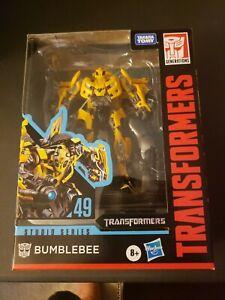Transformers-Studio-Series-BUMBLEBEE-CAMARO-FIGURE-49-Deluxe-Class