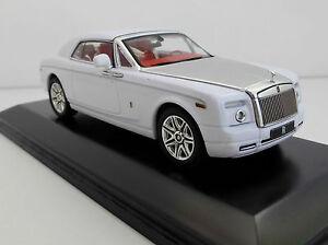 ROLLS-ROYCE-PHANTOM-Coupe-2008-blanc-1-43-IXO-moc130p-Rolls-Royce-Coupe-moc130