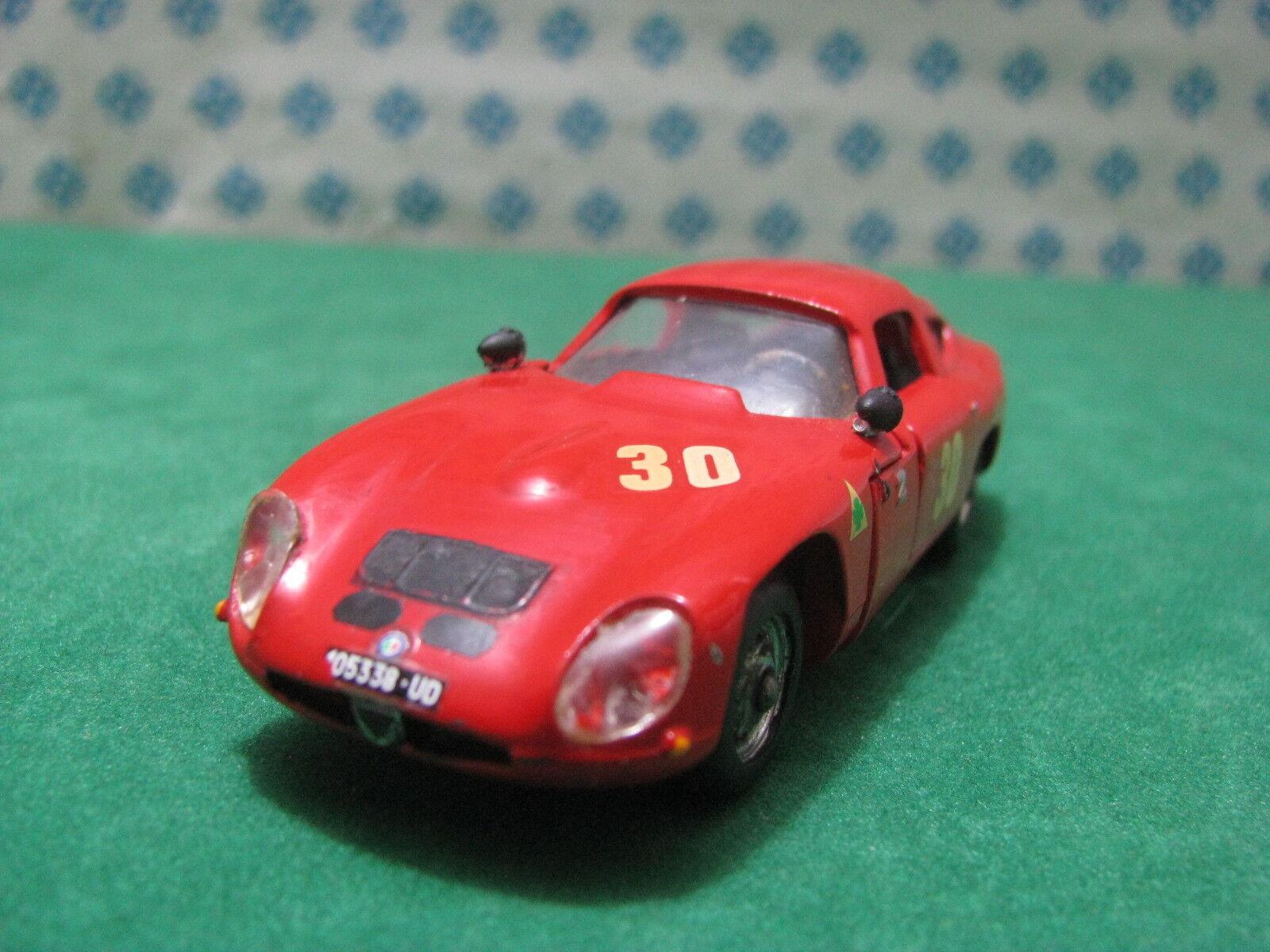 Vintage-Alfa Romeo Giulia tz1 Coupe Le Mans 1963 - 1 43 Politoys-m516