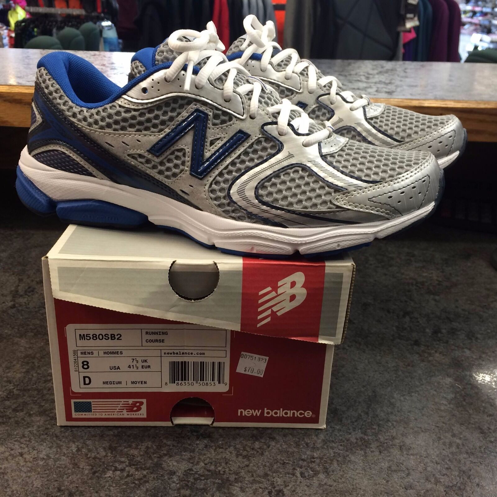 Men's size 8 New Balance M580SB2 running shoe