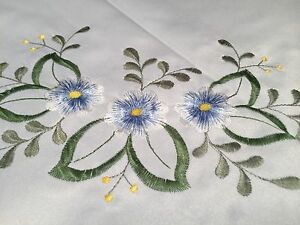New-FANCO-LARGE-DAMASK-86X60-034-RECTANGULAR-TABLECLOTH-White-amp-Blue-Yellow-Floral